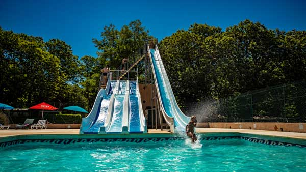 Camping anduze bambouseraie bord de rivi re parc aquatique for Toboggan piscine occasion